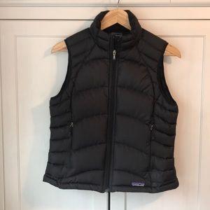 Patagonia women's goose down black vest size m